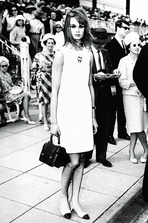 Jean Shrimpton in her 'mini' at the Melbourne Cup!