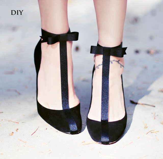 DIY Holiday Shoes // Pretty T-Straps with Ankle Bows