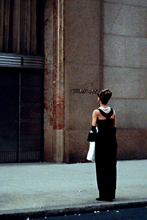 Breakfast at Tiffanys - my favourite film ever, right from this first scene where Moon River echoes through