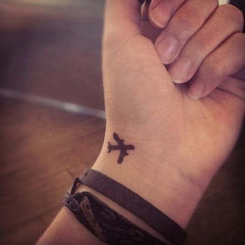 66 Simple Female Wrist Tattoos for Girls and Women (21)