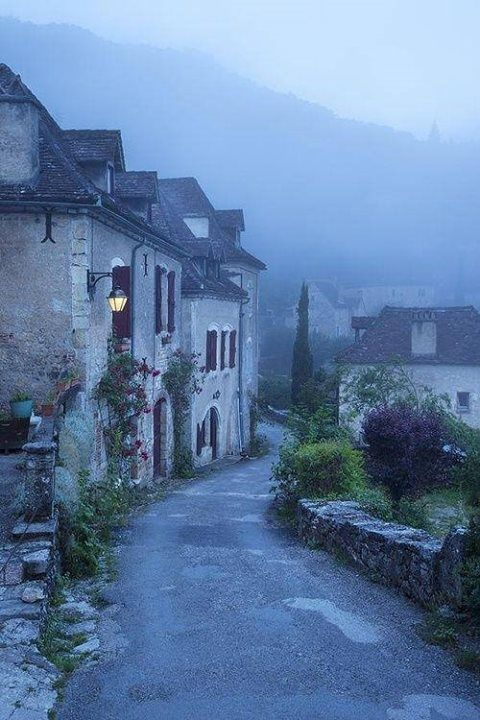 ✯ Saint-Cirq-Lapopie, France