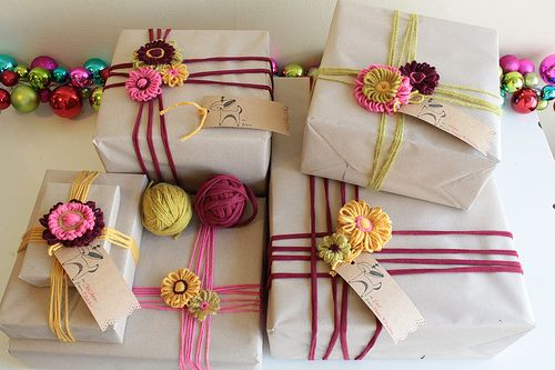 cute present wrapping and flowers!
