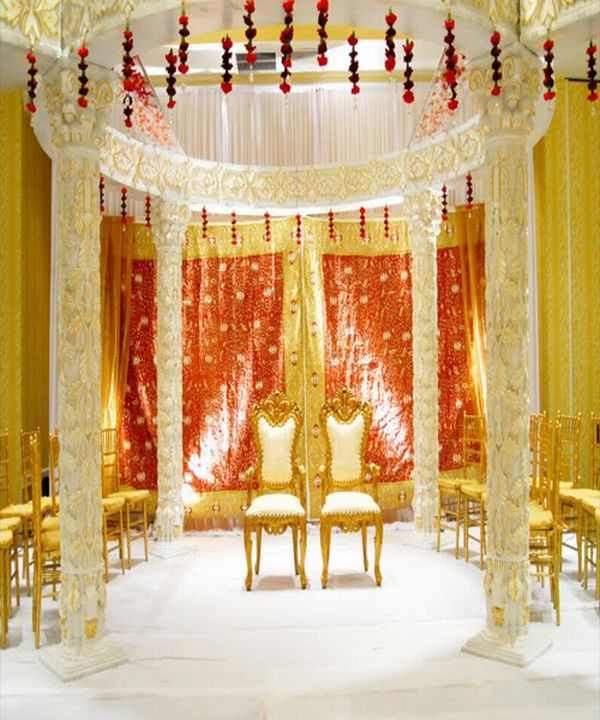 Impressive yellow mandap design #indianwedding #yellowmandap #mandap #modernindianwedding #weddinginspiration #yellowwedding #weddingdecor