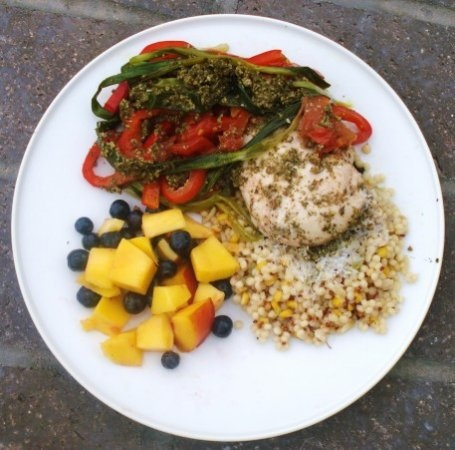 LOW GLYCEMIC GRILLED PESTO CHICKEN PACKETS