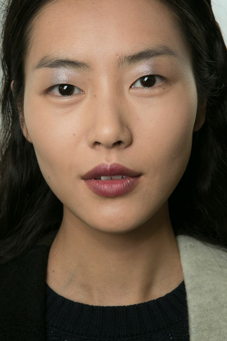Metallic Eye Shadows: Three different shadows were combined to get the hue at Derek Lam, which was dabbed onto the center of models' lids.
