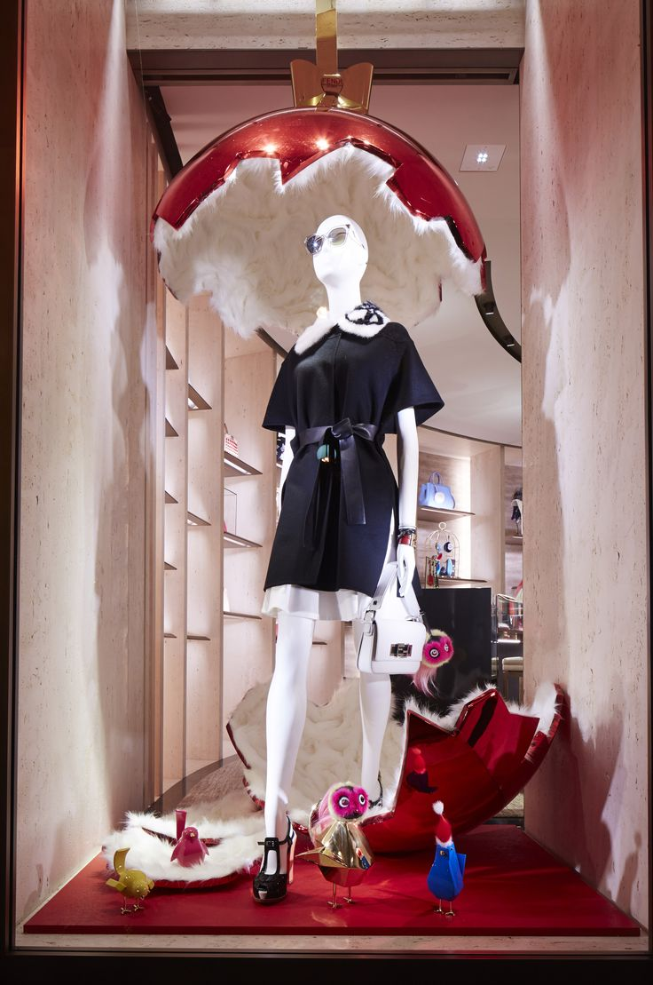 Have a special preview of the Fendi QuTweet capsule collection just arrived in our boutique in Paris, Avenue Montaigne.