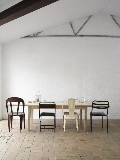 mismatched dining chairs- i already do this! Didn't know it was a new trend.