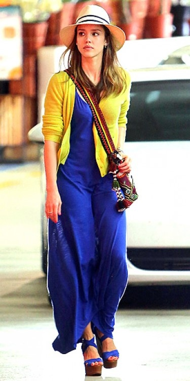Jessica Alba looks great in this cobalt blue and yellow outfit. <3 For tips and advice on #trends and #fashion, Visit www.makeupbymisscee.com