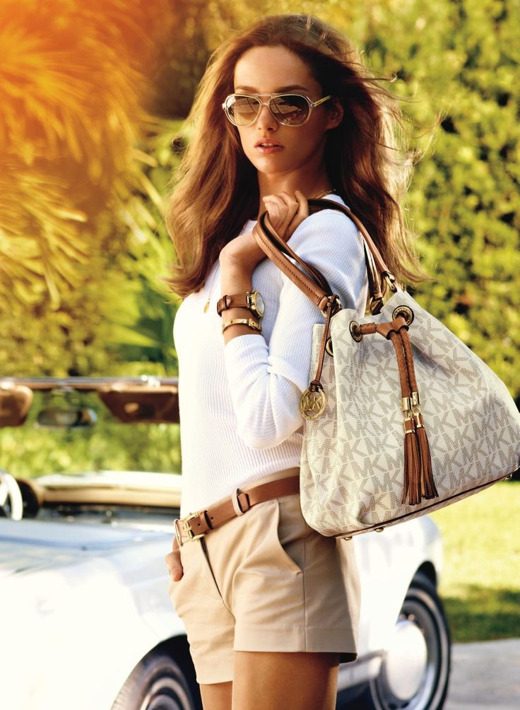 Want it. It can save 50% now on the site. Michael Kors handbags outlet.