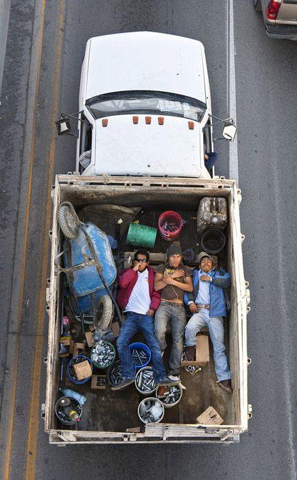 Car pooling di Alejandro Cartagena # fotografia # mexico