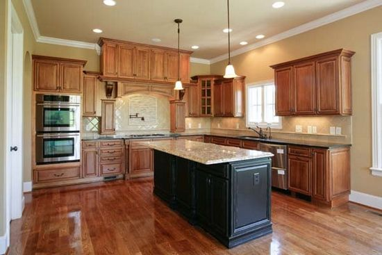 kitchen paint colors with maple cabinets kitchen pinterest on kitchen paint colors id=79619