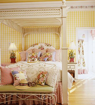 Awesome Bed & Style~ love the yellow check walls!