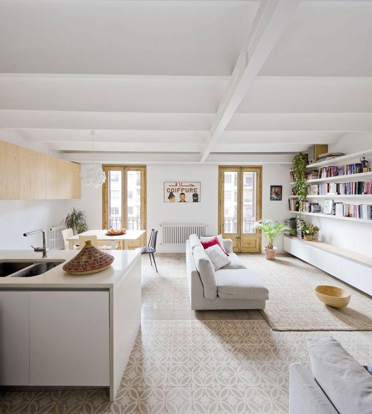 #azulejos: aprovechando las baldosas hidráulicas del suelo de un apartamento rehabilitado en Barcelona.