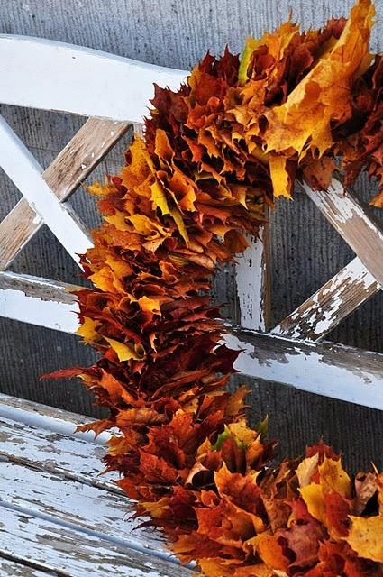Fall leaves have spectacular colors and interesting lines that really can create excellent decor.