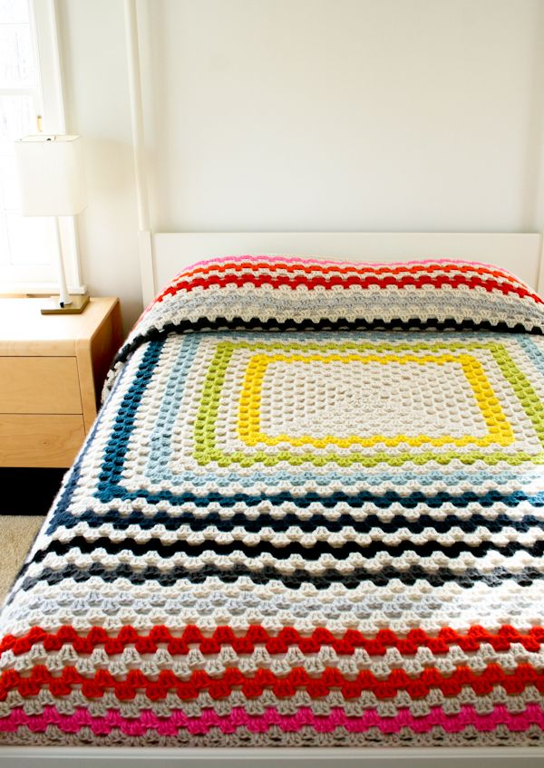 FREE Crochet Throw Blanket Patterns featured by top US crochet blog, Flamingo Toes: Giant, Giant Granny Square Blanket   The Purl Bee