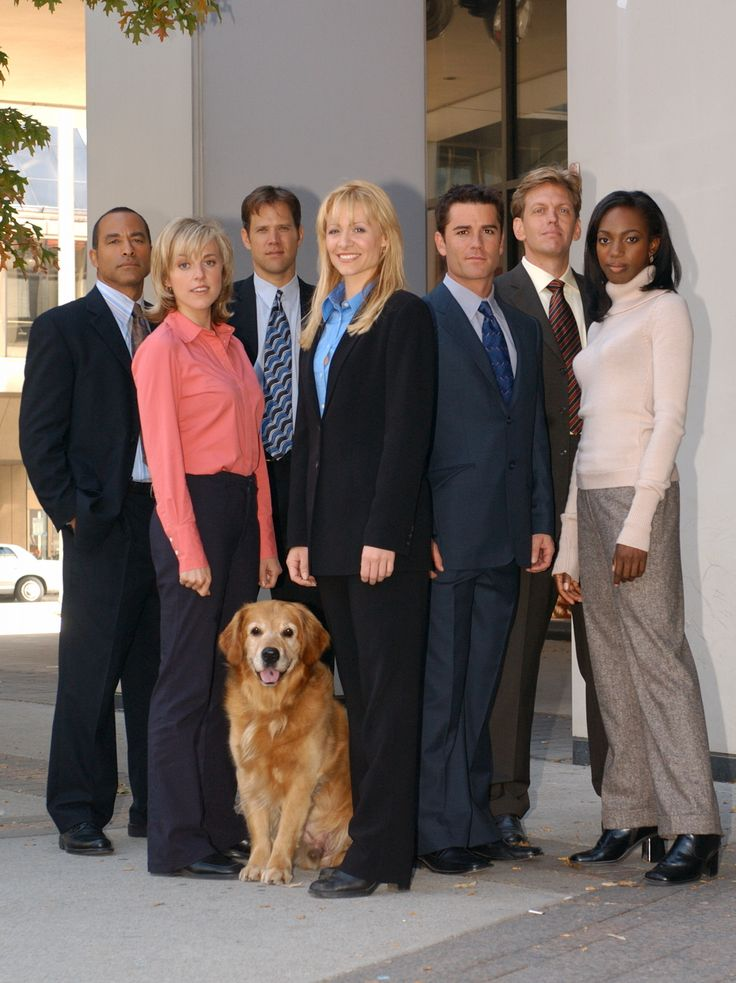 Sue Thomas, F.B.Eye. (L to R: Dimitrius, Tara, Bobby, Sue with Levi, Jack, Myles, Lucy).