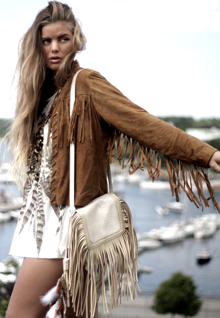 Sexy modern hippie style fringe jacket with boho chic fringe leather purse for an edgy gypsy grunge allure. For MORE Bohemian fashion trends FOLLOW http://www.pinterest.com/happygolicky/the-best-boho-chic-fashion-bohemian-jewelry-gypsy-/ now