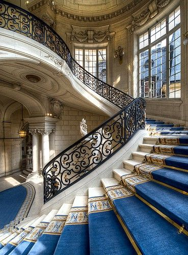 An amazing, sweeping staircase  I'd love the walk down that in a froofy, elaborate ball gown with my handsome man waiting at the bottom  (via For the Home / I want to live here :))