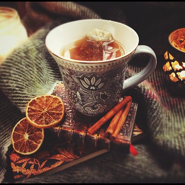 MMMMM.... This looks awesome! I want some! Words: Orange, Spice, cinnamon, tea, autumn, fall, orange, brown, grey, cold.