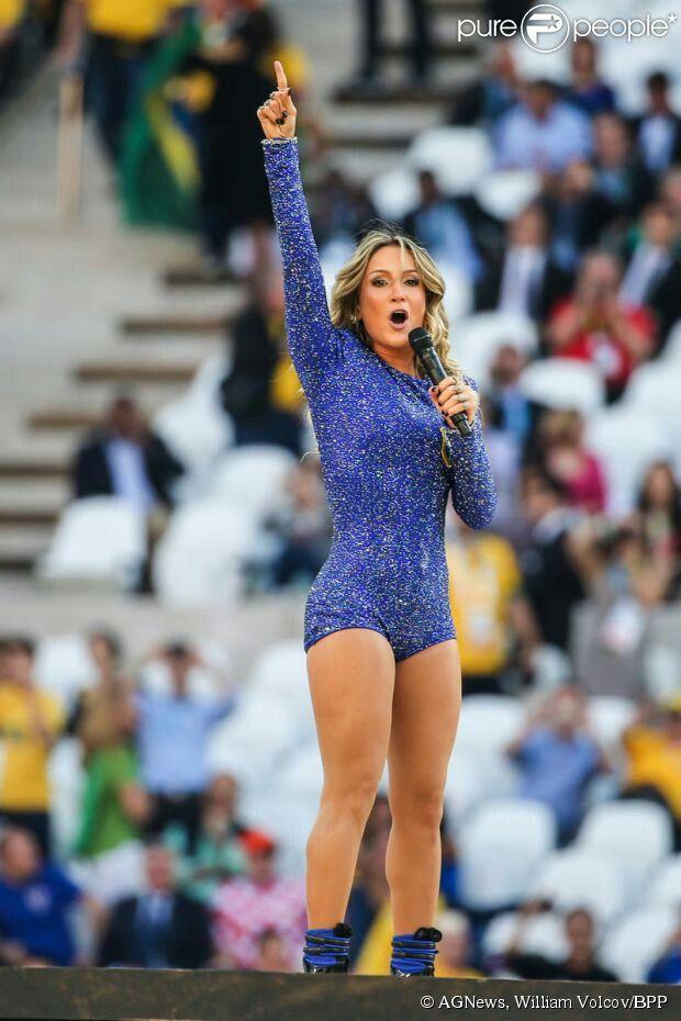 Claudia Leitte - Abertura da Copa