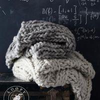 毛糸の季節に。インテリアに編み物を。