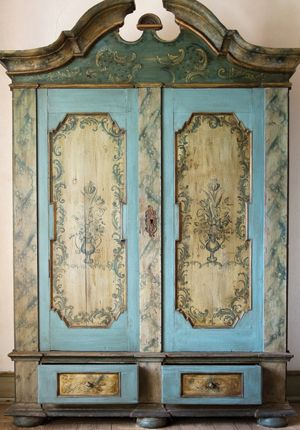French Painted Furniture. Learn Decorative Painting & Upholstery at Vintage 57