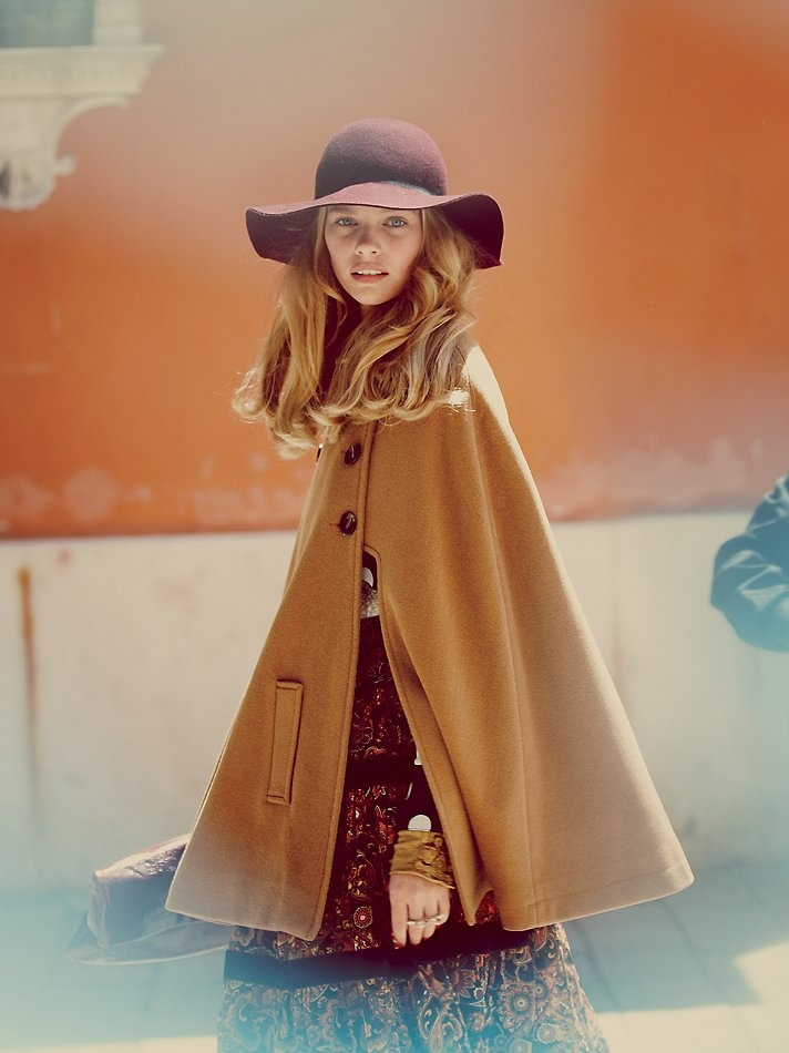 Free People. Camel colored wool cape for fall and wool floppy hat