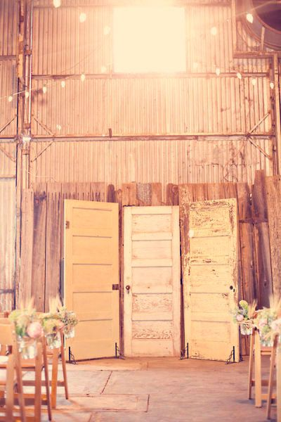 This is a rustic alter for a wedding but could be used to make a great backdrop behind a food table, to hide something  unappealing at party or just a nice room divider in your home! I love this!