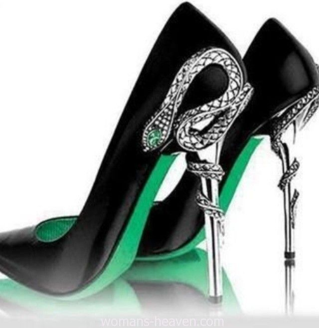 Green heels image,green heels, moda,style, fashion, high heels, image, photo, pic, pumps, shoes, stiletto, women shoes http://www.womans-heaven.com/black-green-heels-image/