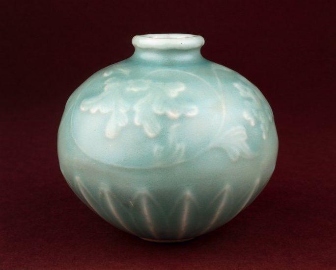 Globular oil jar,