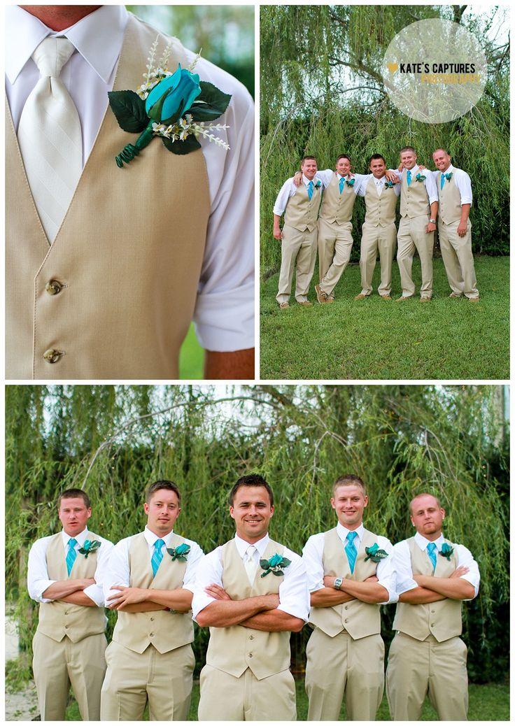Groomsmen // Wedding Photos // Boutonniere // Santa Rosa Beach Wedding // Bentley's on the Bay // Destination Wedding // Kate's Captures Photography