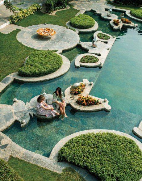Cooling off at Udaipur's Taj Lake Palace.