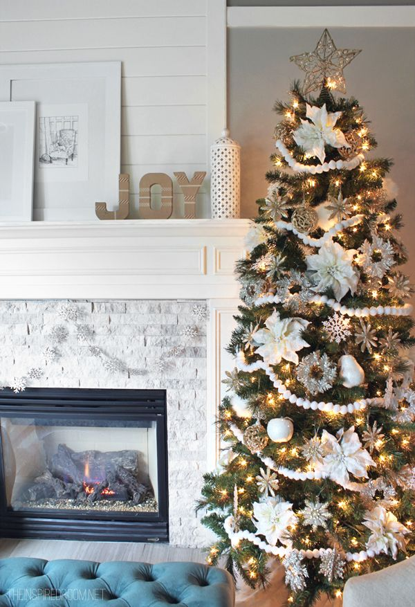 Gorgeous Christmas tree in white