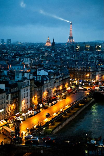 ❥ Paris streets at night