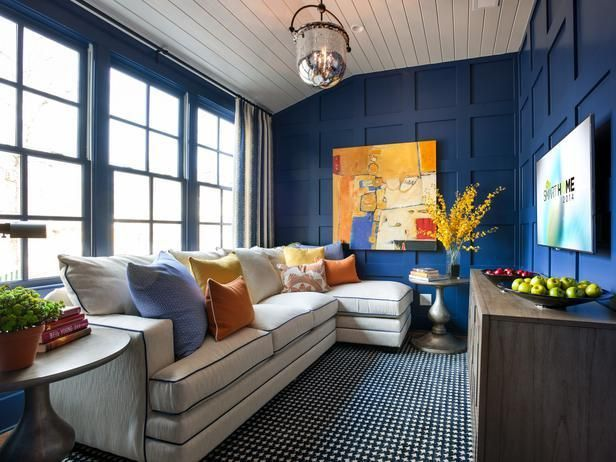 using a sectional when furnishing a small space - 2014 HGTV Smart Home