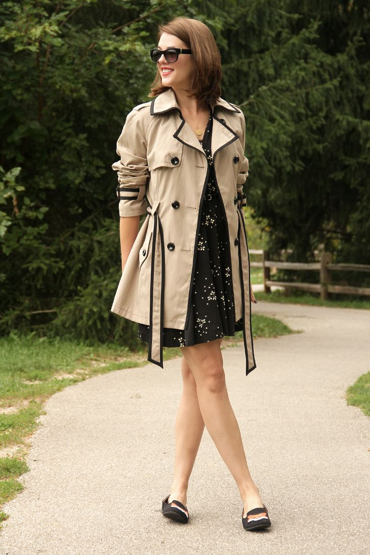 @whatiwore, What I Wore, WhatiWore, Jessica Quirk, Style Blog, Outfit Blog, Personal Style Blog, Fashion Blog, Fashion blog on tumblr, OOTD, WIWT, Fox Slippers, Vintage dress, Contrast trim trench, Fox Shoes