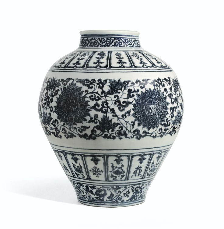 A Rare large blue and white 'Lotus' guan jar, Late Yuan- Early Ming Dynasty