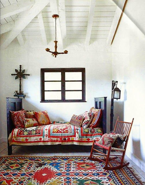 Design Small Living Spaces| Serafini Amelia Design-Gypsy Lou Vintage: Eclectic white interiors with colour pops