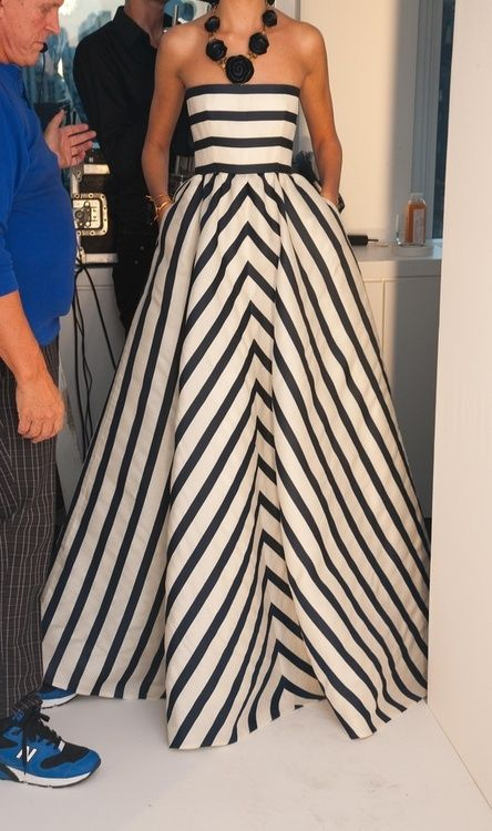 Oscar de la renta striped gown