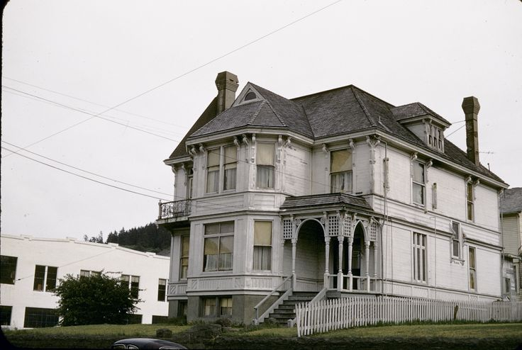 oldvictorian house photos of astoria oregon - Google Search