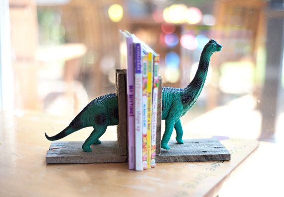 Keep all those school books cutely and safely organized by guarding them with this set of cute dinosaur bookends. #babiekinsmag