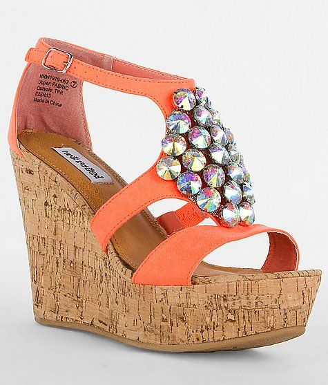 Talk about a PERFOIS shoe!!!! This has 2 things I love, bright colors and bling! It's SO bold!!!