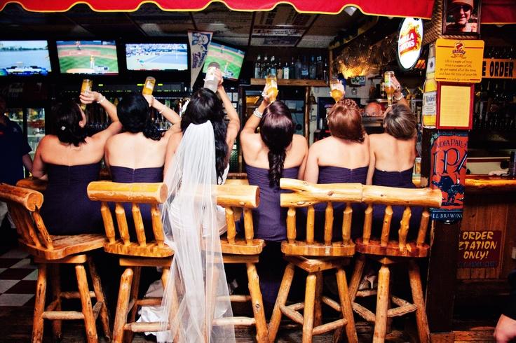 petrecerea burlcitelor, club, party