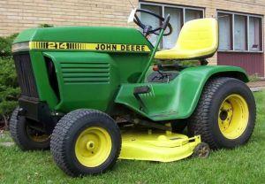 John Deere 214 Lawn Tractor