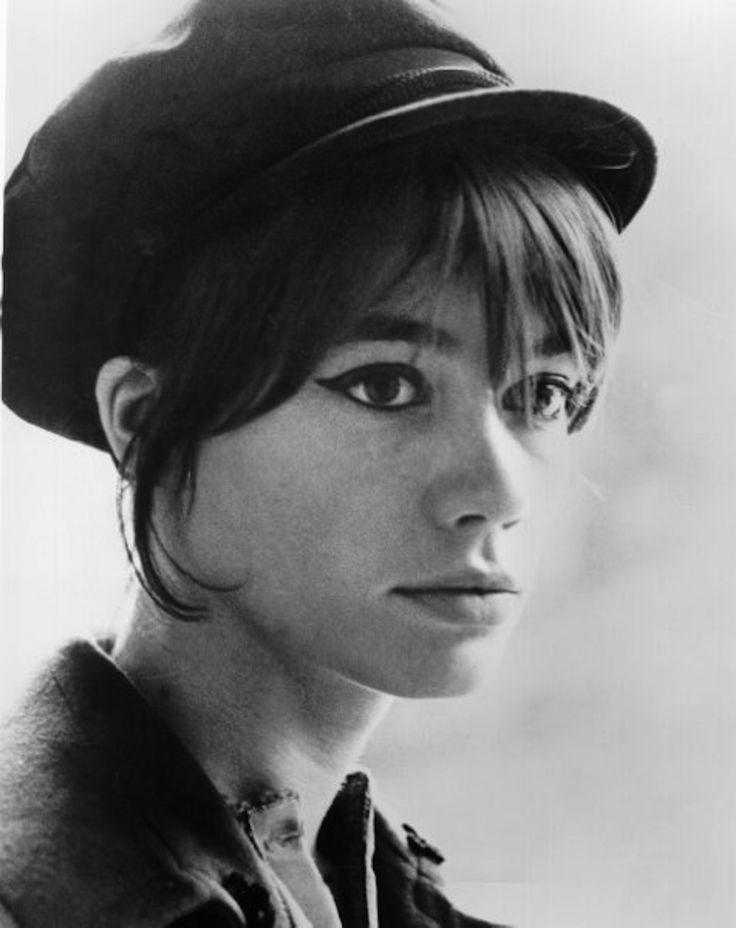 Françoise Madeleine Hardy born 17 January 1944 is a French singer and actress. Hardy is an iconic figure in fashion, music and style.