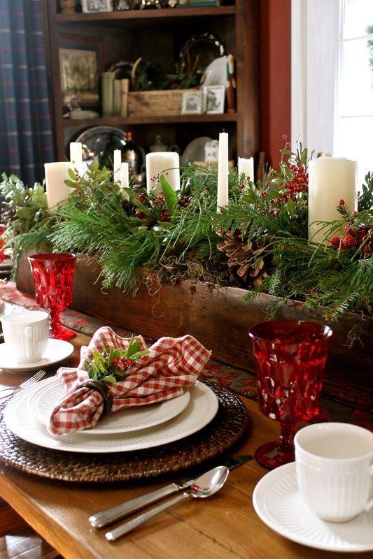 Here are 24 Inspiring Rustic #Holiday #Table Settings - Ho, ho, ho spr… :: Hometalk