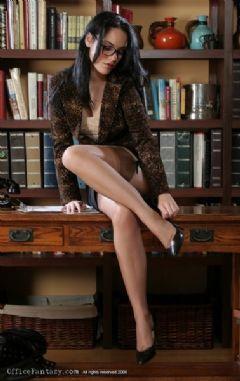 shortest mini secretary