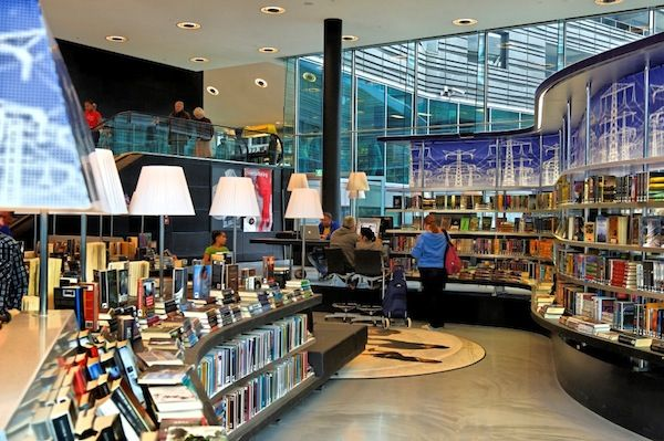 http://lisnews.org/how_a_new_dutch_library_smashed_attendance_records