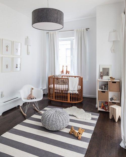 Habitación en blanco y madera