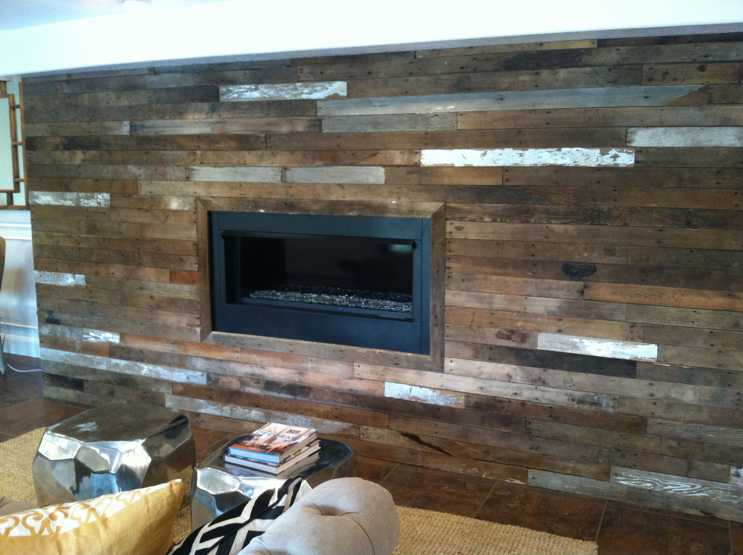 pallet wall fireplace surround bedroom pinterest on pallet wall id=46640